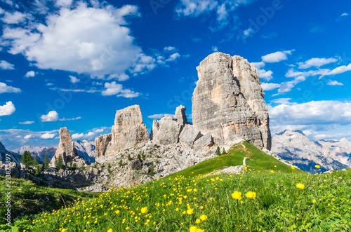 Photo  Cinque Torri, Dolomiti Alps, Italy