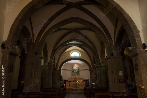Obraz na plátně Interno chiesa italiana cristiana