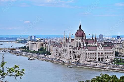 Fotografia  Das Parlament in Budapest, Ungarn von der Burg