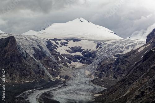 Fotobehang Grijze traf. The Pasterze glacier in the Alps in Austria.