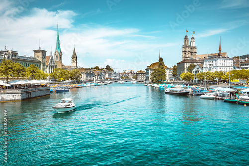 Photo sur Toile Europe Centrale Zürich city center with Limmat river in summer, Switzerland