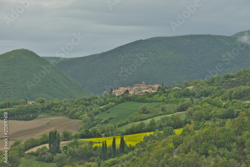 Poster Donkergrijs Scenic landscape of Sibilini national park in Umbria, Italy