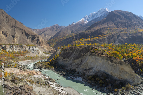 Foto op Aluminium Oceanië Beautiful scenery of Hunza valley in autumn season, Gilgit Baltistan, Pakistan