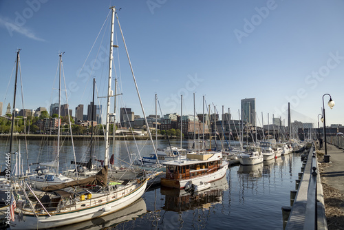 Keuken foto achterwand Verenigde Staten Long Wharf and Customhouse Block with sailboats and yachts in in Boston