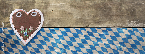 Fotomural Bavarian Oktoberfest Wood Board Gingerbread Heart Background
