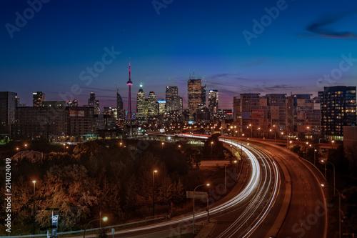 Foto op Aluminium Nacht snelweg Toronto Skyline