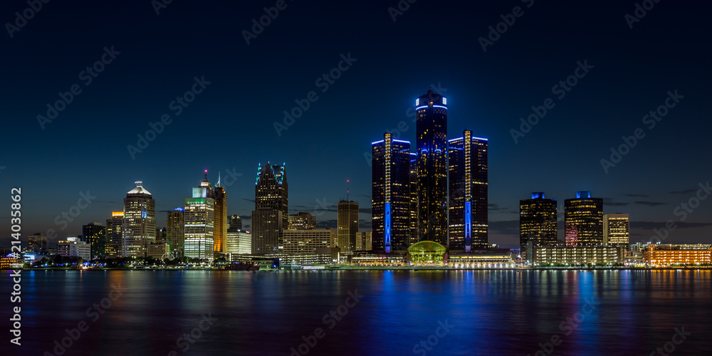Fototapeta Detroit, Michigan skyline at night shot from Windsor, Ontario