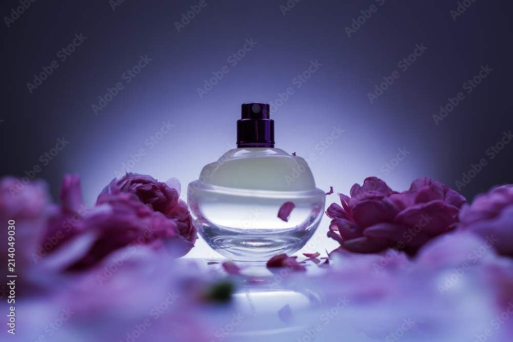 Fototapety, obrazy: perfume and flowers