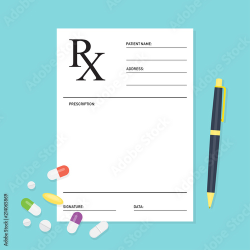 Photo Empty medical prescription Rx form with pills
