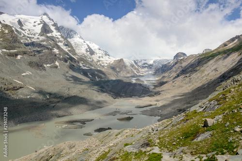 Staande foto Bergen Grossglockner, the highest mountain in Austria with the Pasterze glacier