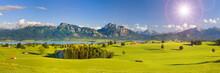 Panorama Landschaft In Bayern Mit Alpen Im Allgäu Und Forggensee