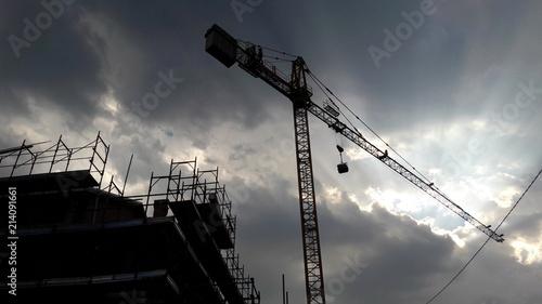 Photo  Cantiere edile - gru e ponteggio