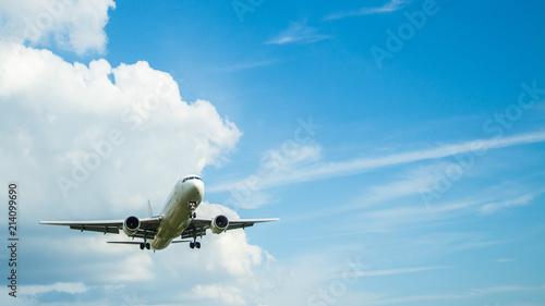離陸した飛行機 Fototapet