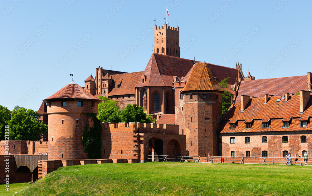 Fototapety, obrazy: View on Malbork Castle in historcal city