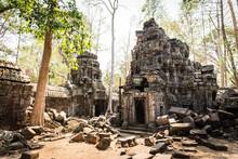 Angkor Wat Baphuon Cambodia Te...