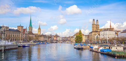 Spoed Foto op Canvas Verenigde Staten Beautiful view of the historic city center of Zurich
