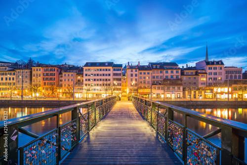 Foto op Aluminium Rudnes Cityscape of downtown Zurich in Switzerland