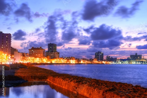 Stampe  A night view of the famous Malecon, the main seafront boulevard in the center of