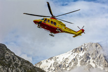 Helicopter Rescue On The Mount...