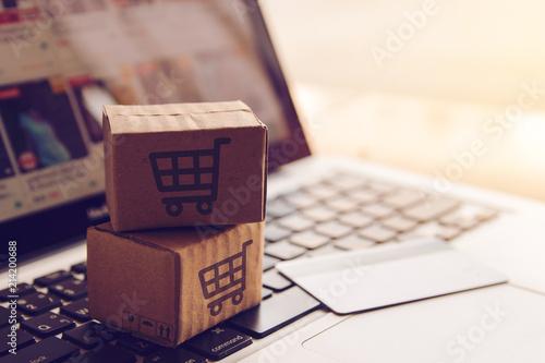 Fotografía  Shopping online concept - Shopping service on The online web