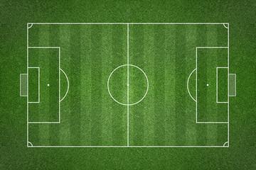 Nogometno travnato polje s linijama krede