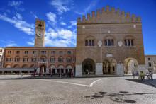 Treviso, Piazza Dei Signori E ...