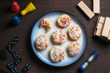 Mini Pizzas With Games