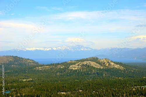 Foto op Aluminium Pool Beautiful Landscape in Spring at Lake Tahoe in California, United States