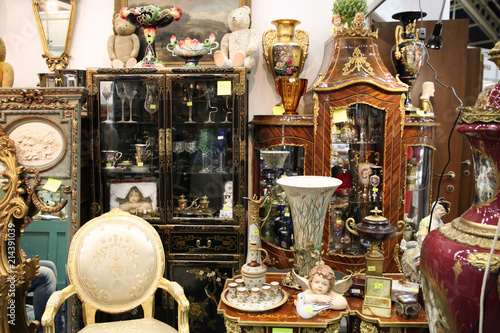 Photo Vintage interior things at the flea market