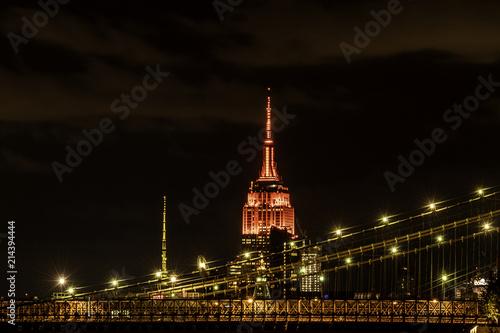Fotografía Empire State Building over Brooklyn Bridge