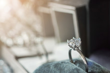Luxury Engagement Diamond Ring...