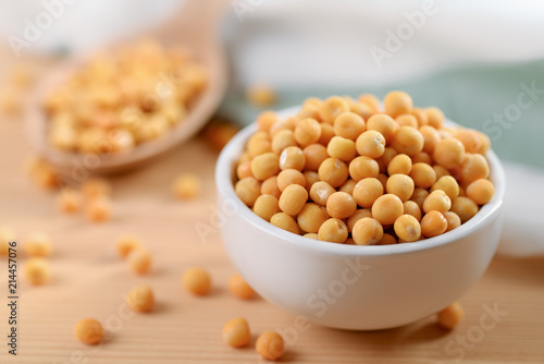 Dried peas in bowl