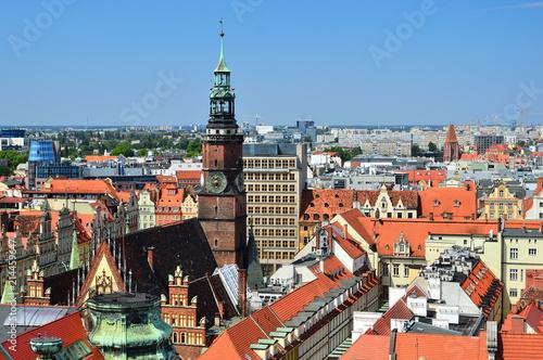 Fototapeta Wrocławska Starówka widziana z góry, dachy, kamienice i uliczki. obraz