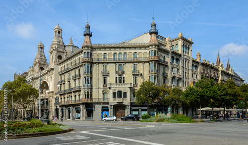 Papel de parede  Historic building in Barcelona on the Gran Via de les Corts Catalanes, 601
