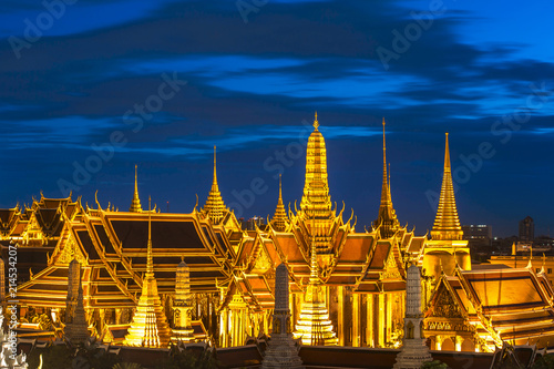 Foto  Grand palace and Wat phra keaw at Bangkok, Thailand