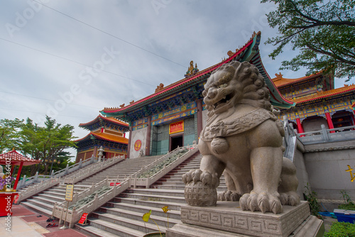 Deurstickers Bedehuis Nonthaburi, Thailand july 21 2018-Chinese temple The Dragon Temple is a landmark sasot na. White Wednesday-attractions in Thailand plant, Lotus, gold country, abang uncovered.