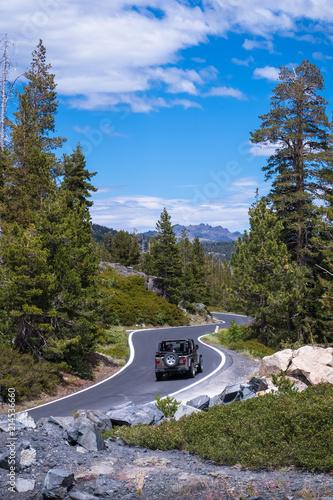 Keuken foto achterwand Verenigde Staten Tourists Driving a Truck up a Scenic Mountain Road - Ebbetts Pass