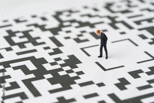Valokuva  Make a decision for solution for business idea concept, miniature figure busines