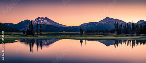 Sparks Lake in Central Oregon Cascade Lakes Highway, a popular outdoors vacation destination - 214543012
