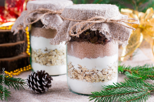 Photographie Cookies ingredients in a glass jar