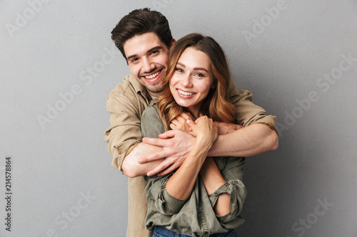 Lovely young couple hugging Fototapet