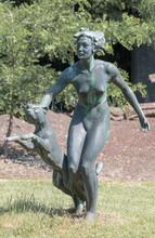 Bronze Statue Mädchen Mit Pan...