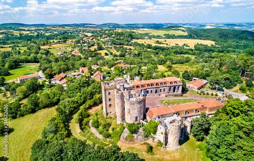 Foto The Chateau de Chazeron, a castle in the Puy-de-Dome department of France