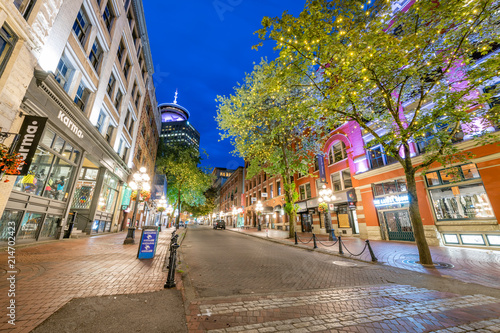 Photo  Gastown at Blue Hour