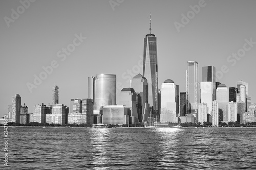 Keuken foto achterwand New York City Black and white picture of Manhattan seen from New Jersey at sunset, New York City, USA.