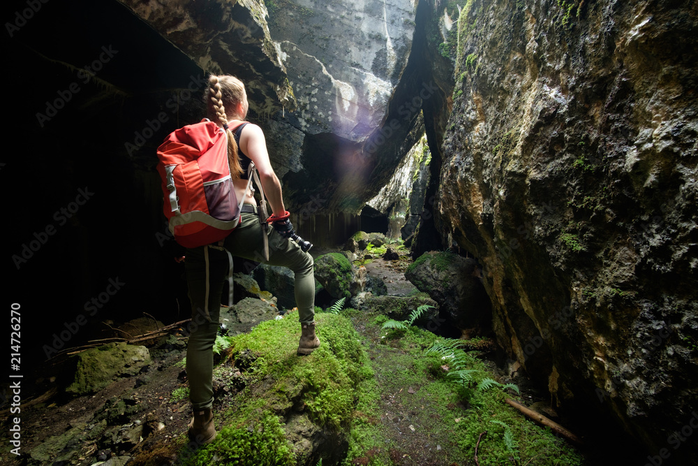 Fototapety, obrazy: explore ancient fortress cave