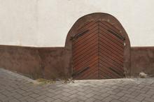 Drewniane Drzwi Na Rogu Domu