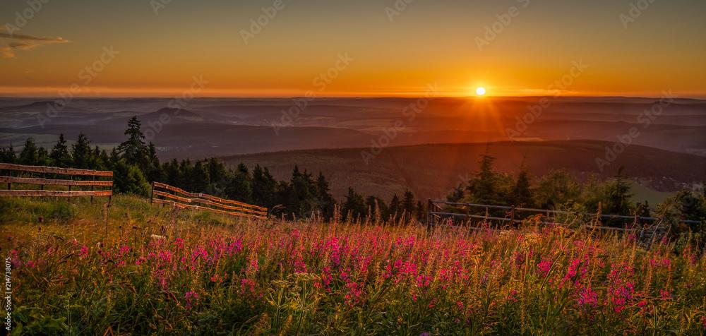 Fototapety, obrazy: Sunrise on saxony's rooftop - Sonnenaufgang auf dem Dach von Sachsen