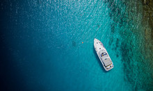 Luxury Small Yacht Anchoring I...