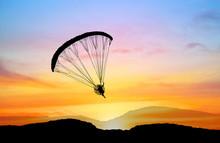 Silhouette Para-motor Flying O...